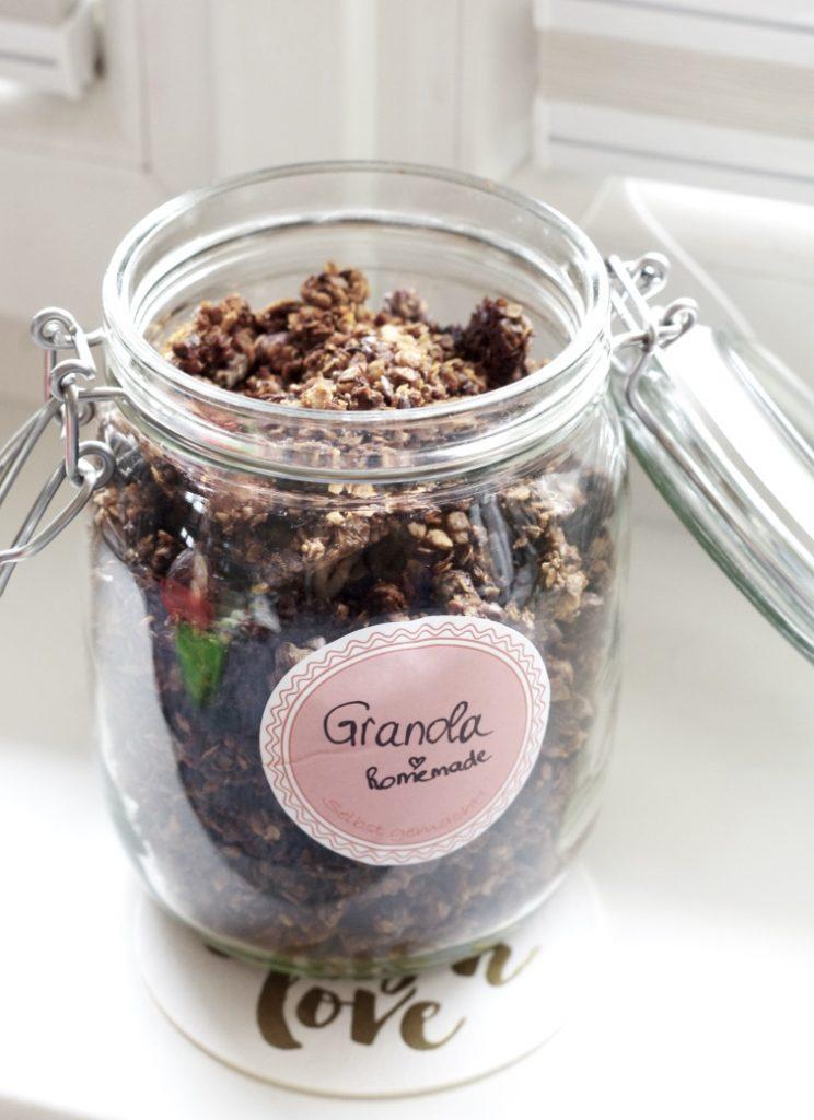 piecesofmara-crunchy-granola-homemade1