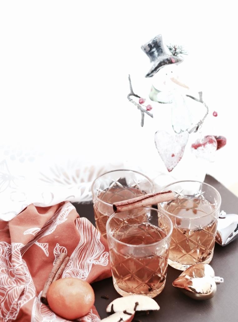 piecesofmara-homemade-apfel-zimt-punsch-adventskalender-1